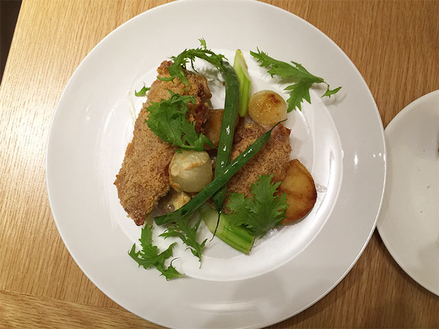 武蔵小山のフェルム ド レギュームの大山鶏モモ肉のオーブン焼き