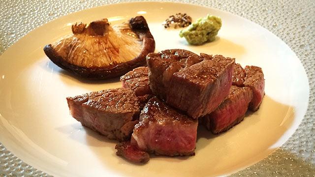 鉄板焼きの「あざみ野うかい亭」で特選牛ステーキのランチコースを堪能してきました