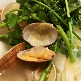 新江古田にある「白龍トマト館」のクレソンと生姜とアサリを入れたタンメンがうまかった!