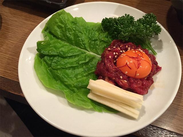 七厘亭の桜肉のユッケ