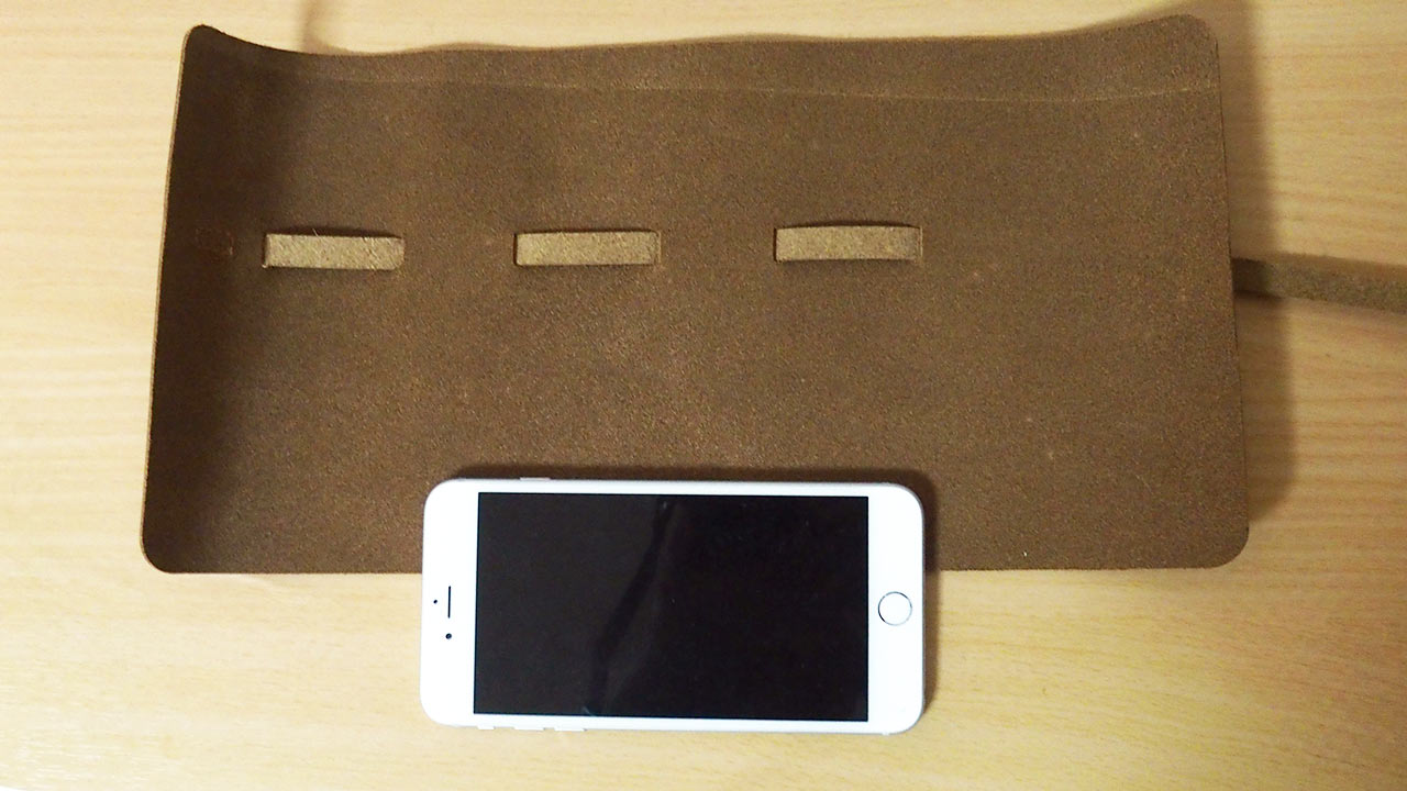 Multi gadget holder 02