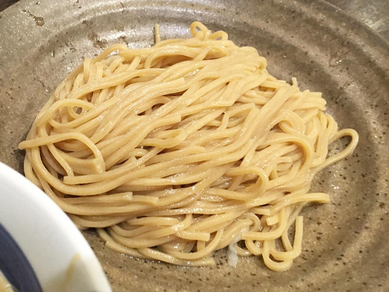 三ツ矢堂製麺の細麺