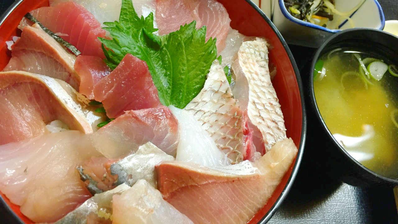 """鴨川旅行記3・「船よし」なら大ボリュームの""""おらが丼""""と海鮮定食が食べられる"""