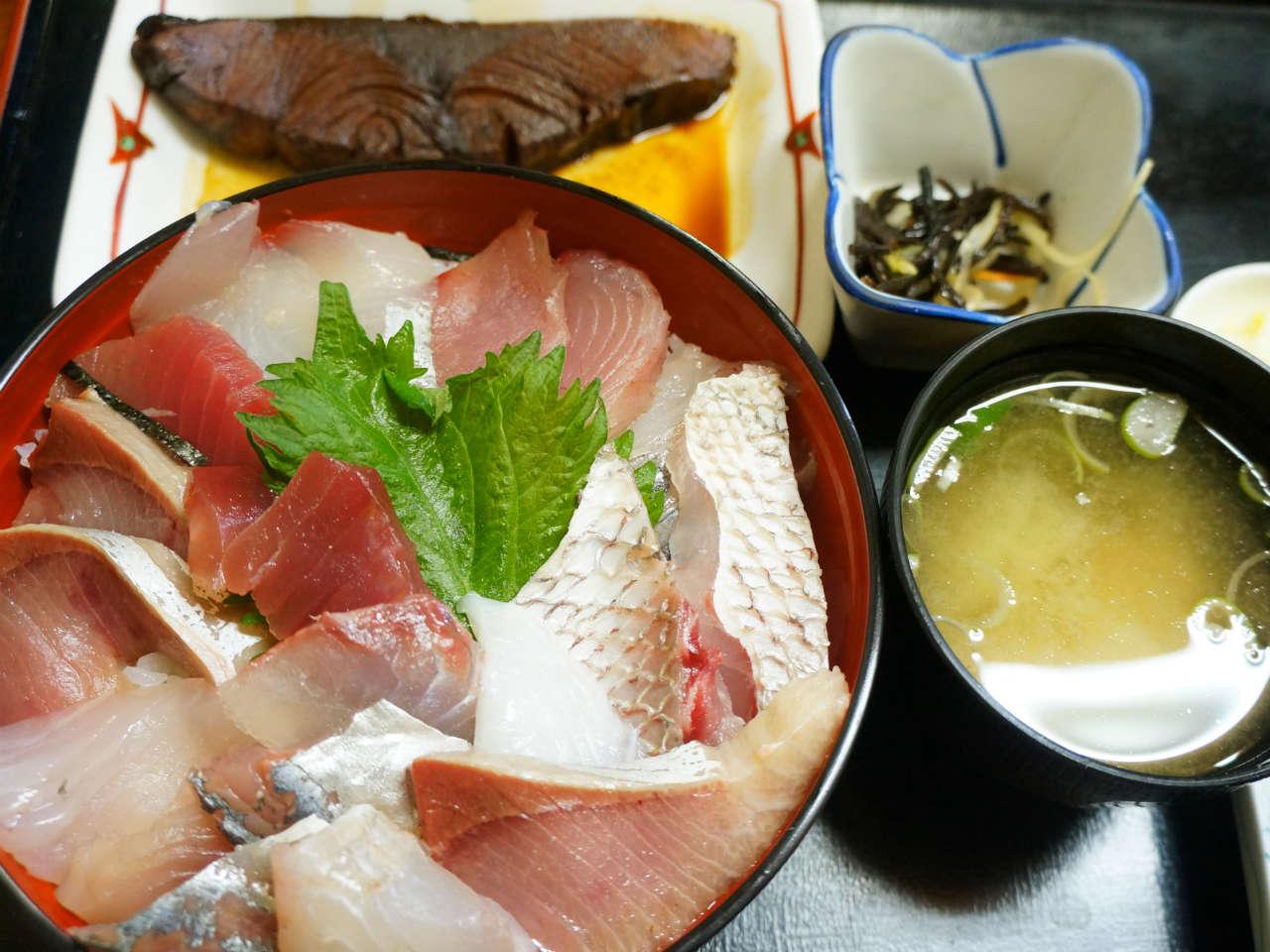 kamogawa-oragadon-funayoshi1