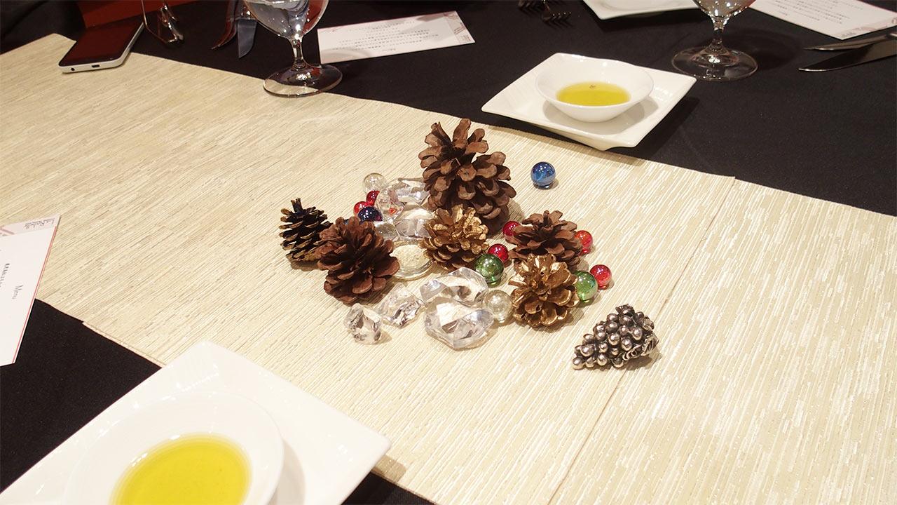 ラ・ロシェル山王のテーブルの飾り