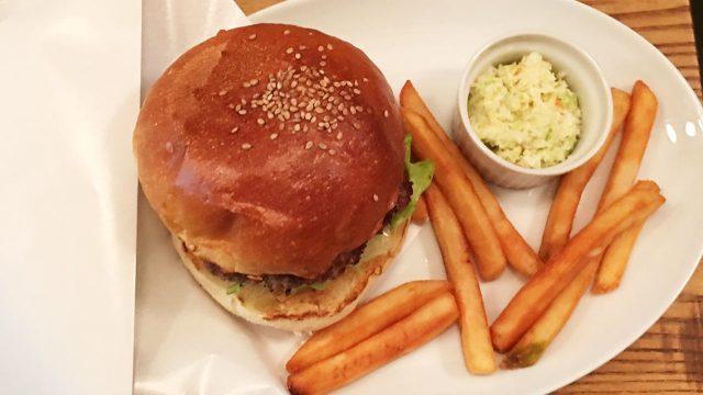 武蔵小山にあるペットもOKのハンバーガー屋「Sherry's Burger Cafe」でランチしてきた!