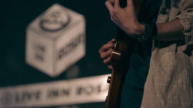 2016年9月7日池袋ロサにてアマオトの新曲「はな」初披露しました