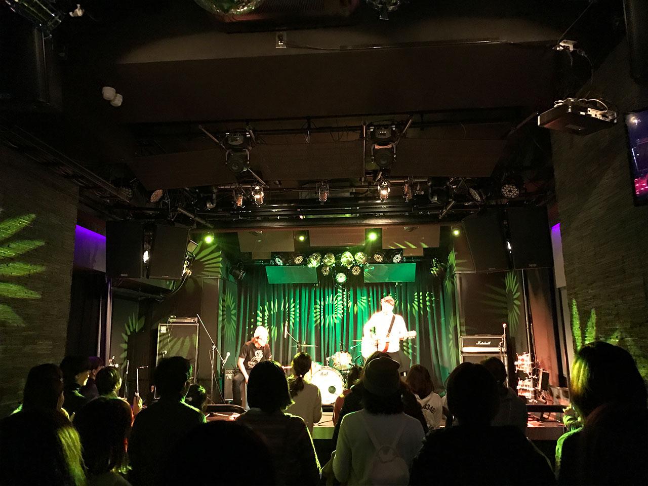 青山RizMの照明03