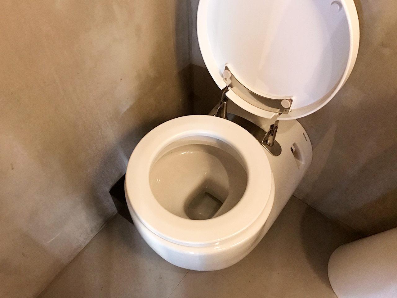 三軒茶屋「マルノワ」のトイレ