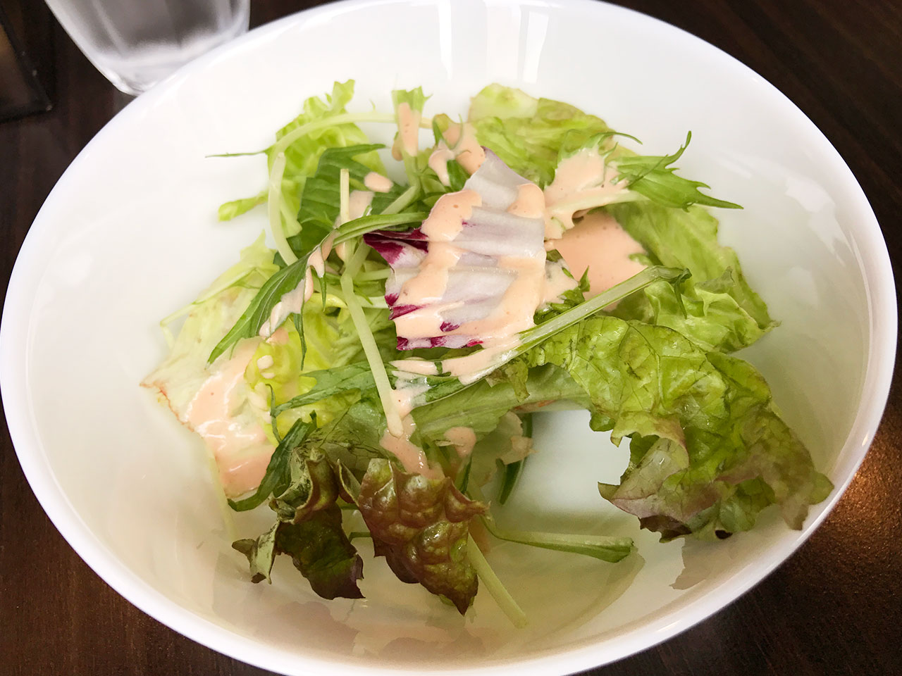 馬車道の「goichi」のサラダ