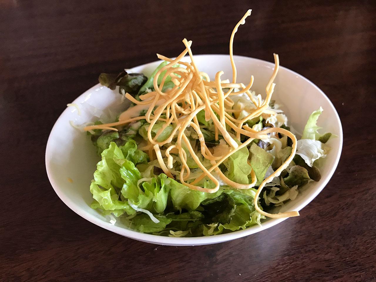 花小金井「杏s カフェ」のランチセットのサラダ