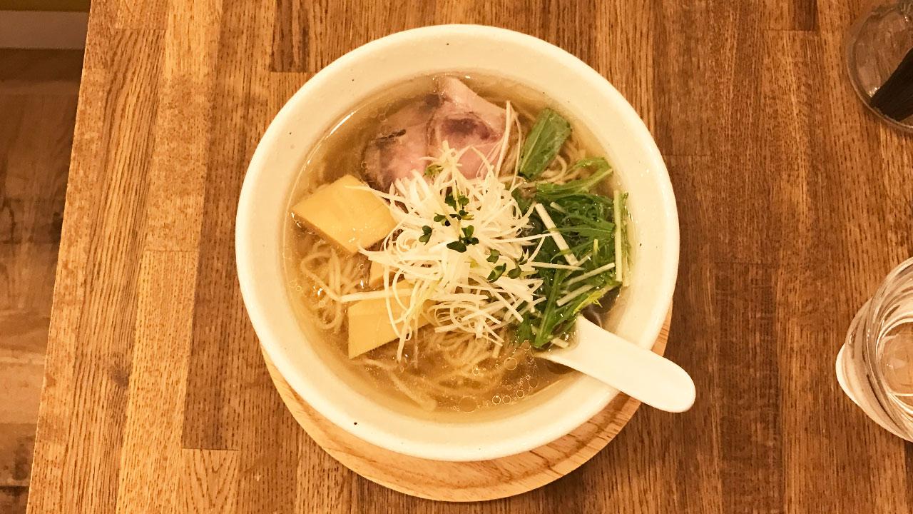 大倉山の「らーめんシゲトミ」は貝の出汁が最高に効いたさっぱり系ラーメンでうますぎる!