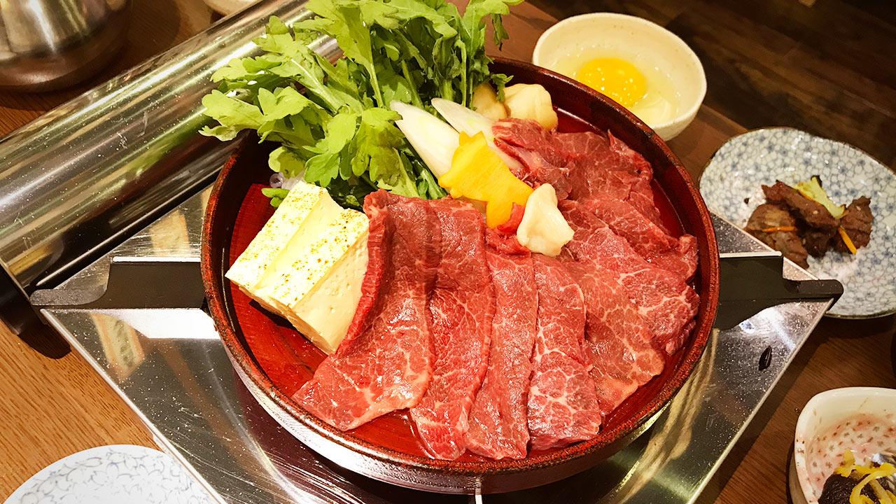馬肉「三村」の馬刺しと馬焼きとすき焼きがうますぎる! #新宿名店横丁