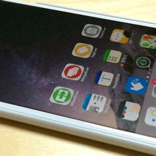 iPhone 6のホーム画面2回タップで画面が降りてくる機能は特定のシーンで便利に使える!