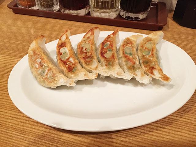 渋谷餃子の焼き餃子
