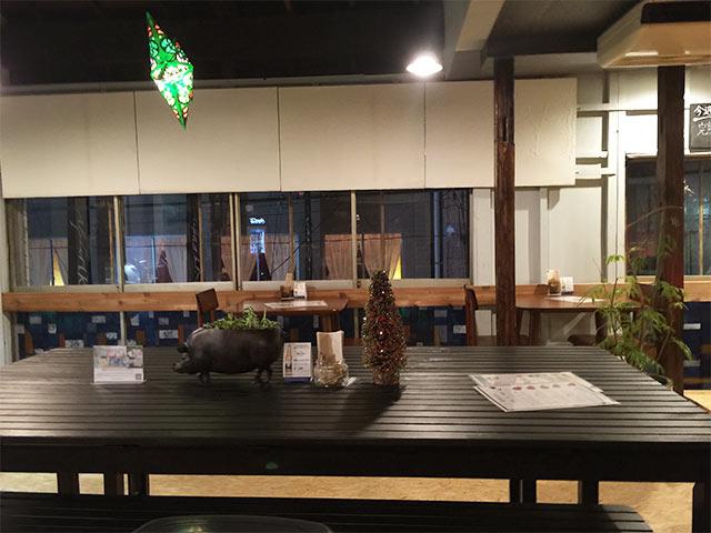 武蔵小山Brownyのテーブル