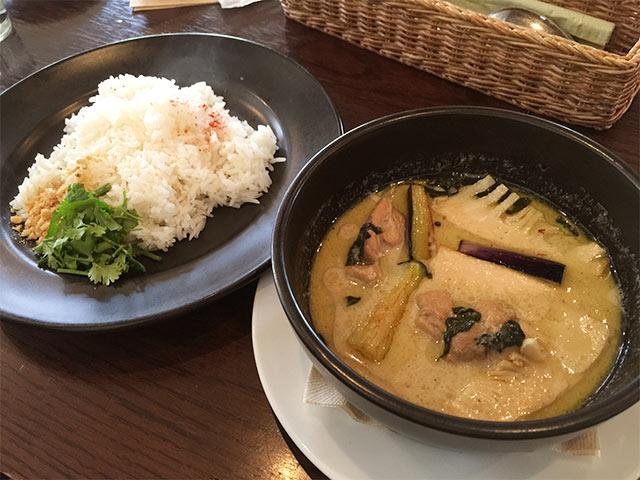 恵比寿cociのグリーンカレー