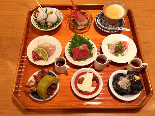 武蔵小山うえ村の9品の小皿料理