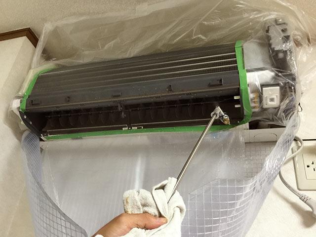クリーンクラークのエアコン本体の掃除05