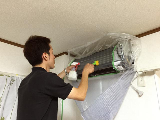 クリーンクラークのエアコン本体の掃除07