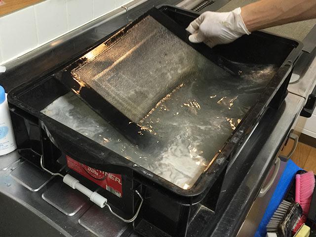 クリーンクラークの換気扇フィルター掃除02