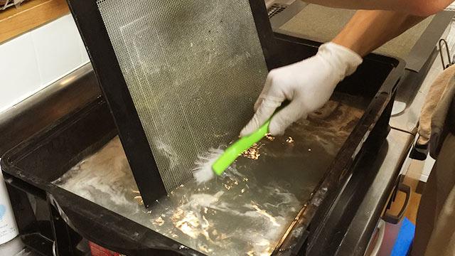 ハウスクリーニング「クリーンクラーク」で換気扇をピカピカにしてもらった