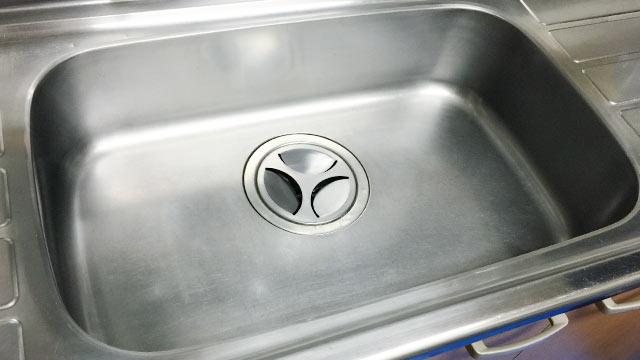 ハウスクリーニング「クリーンクラーク」でシンクの水垢を落としてキレイに磨いてもらった