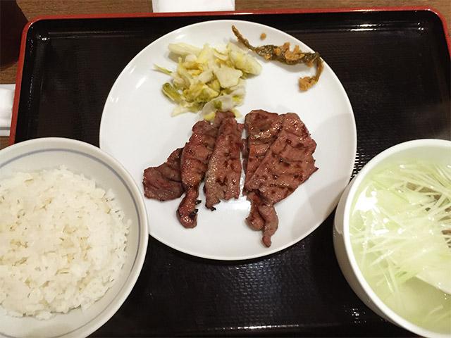 牛タン杉作の牛タン定食