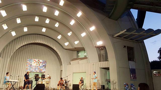 上野水上音楽堂のステージ 別の角度から
