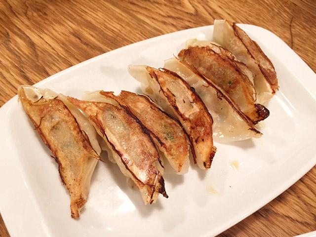 KAMUKURA DiNiNGの餃子