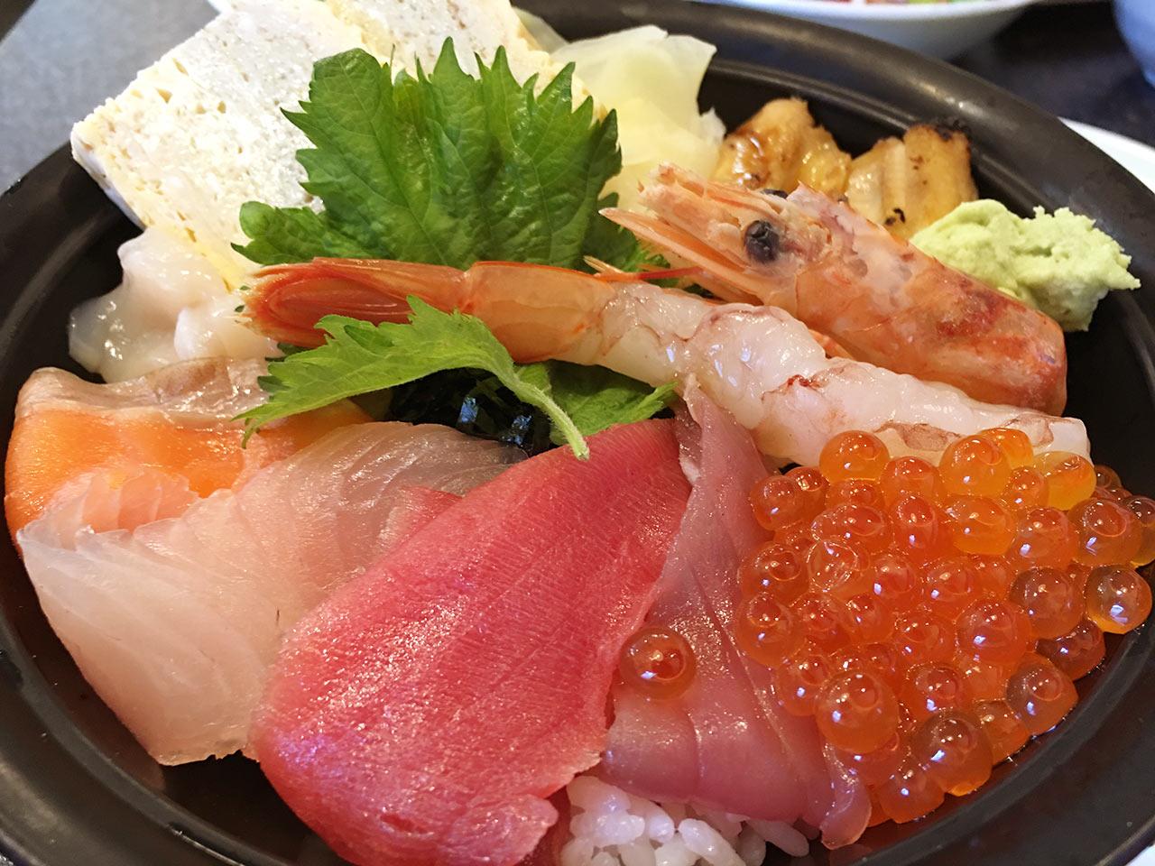すしざんまい渋谷東急本店前店のランチメニュー海鮮丼