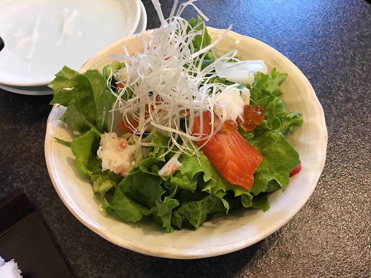 すしざんまい渋谷東急本店前店のランチメニューすしざんまいサラダハーフ