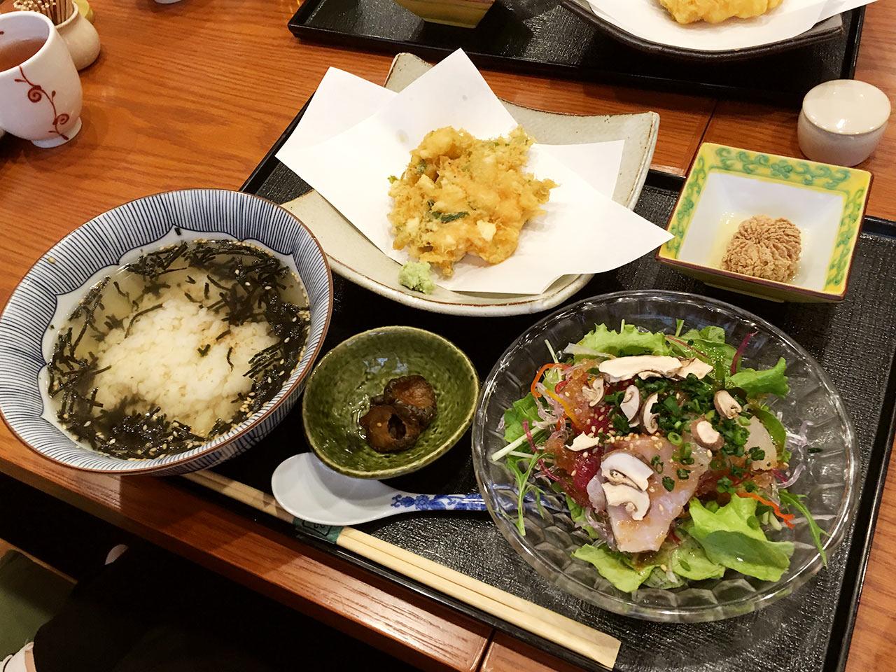 天ぷら割烹うさぎの土日限定メニューの天茶