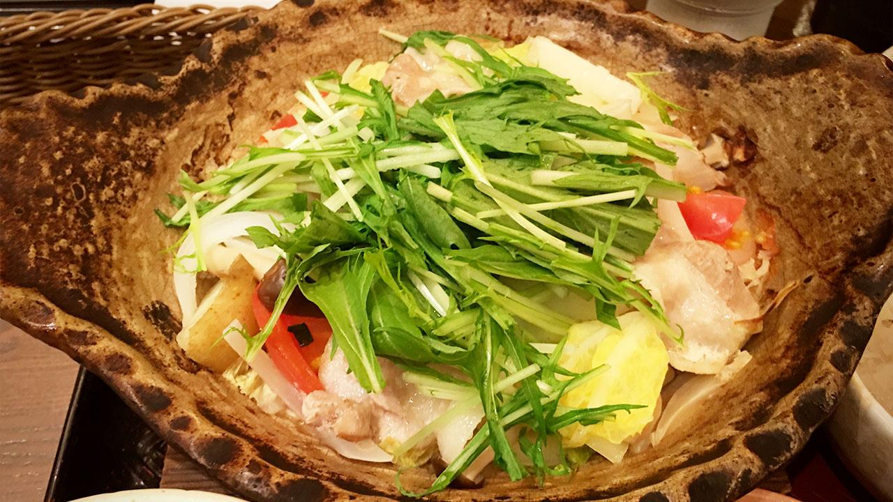 大戸屋に行くとつい頼んでしまう「四元豚とたっぷり野菜の蒸し鍋定食」について語る #俺の大戸屋