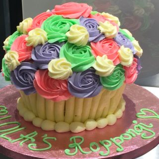 ローラズカップケーキ日本2号店で六本木店限定ケーキを食べてきた!