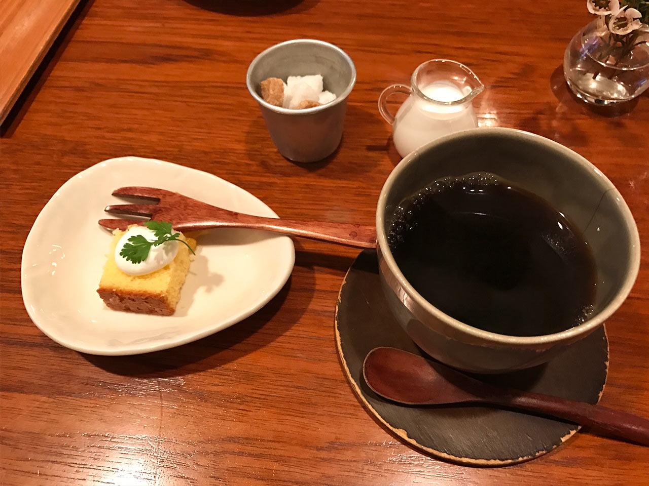 目黒の「aunt MIMI(アント・ミミ)」のデザートとコーヒー