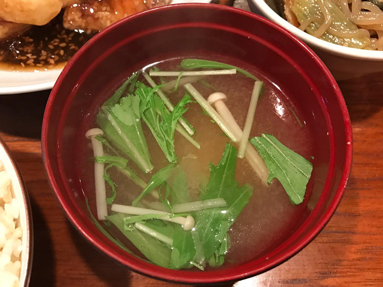 目黒の「aunt MIMI(アント・ミミ)」の味噌汁