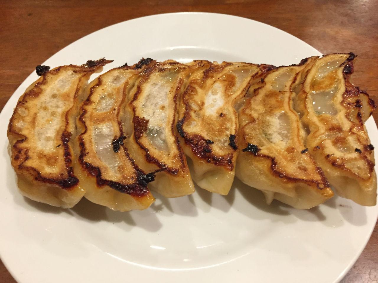 神保町「三幸園」の焼き餃子