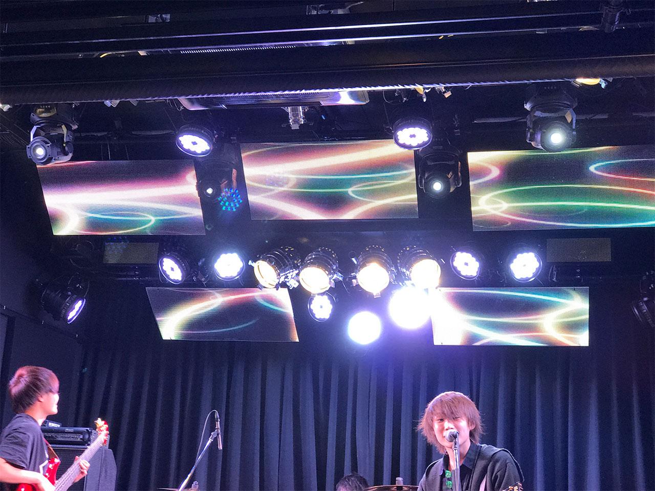 青山RizMの照明01
