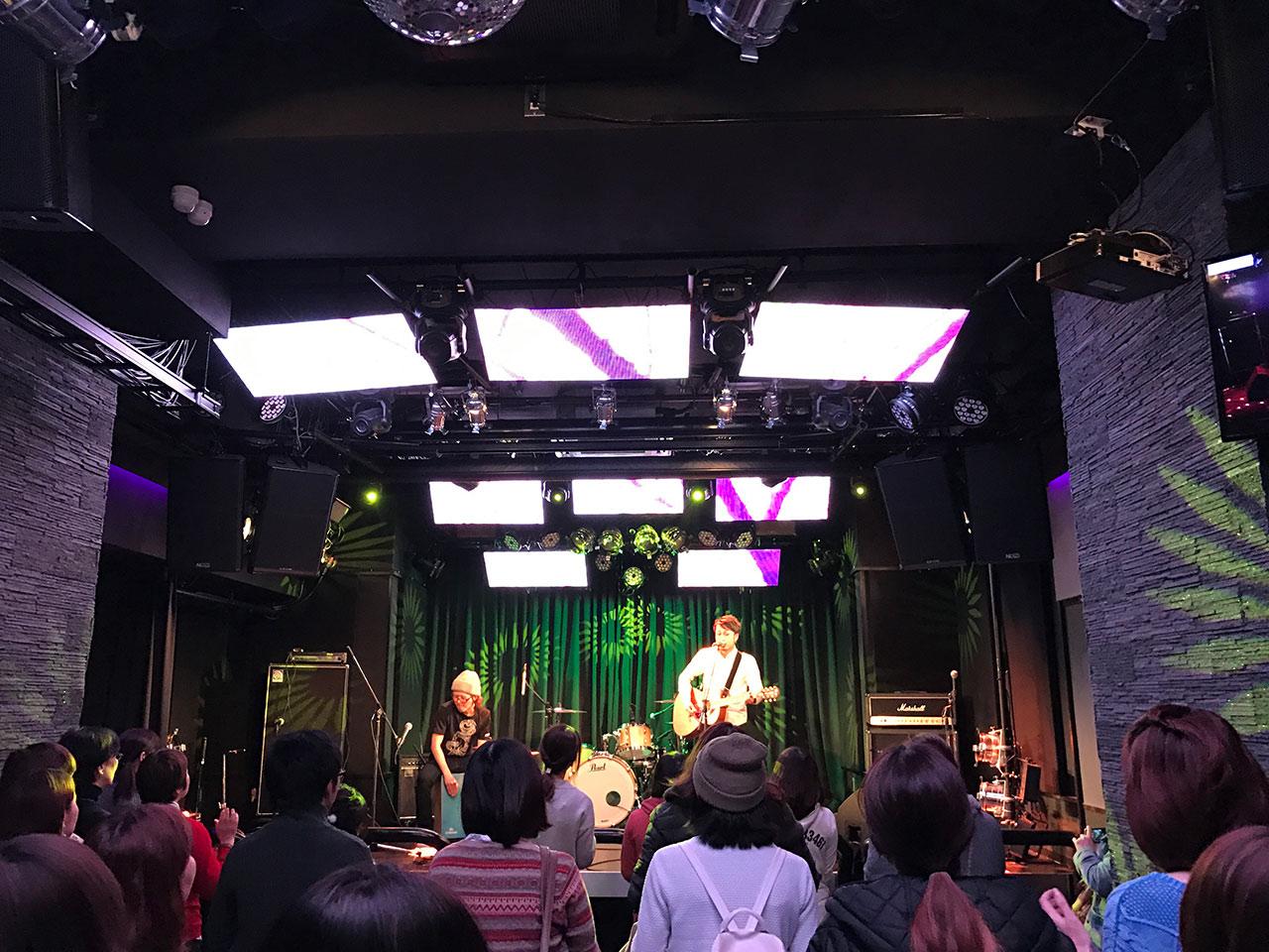 青山RizMの照明02