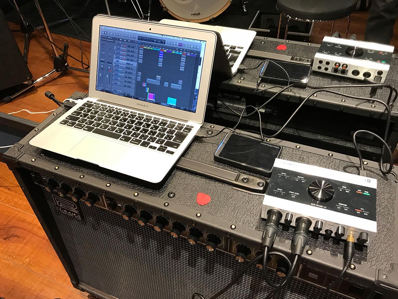 リハスタでギターのアンプ録りしたときのMacとオーディオインターフェース