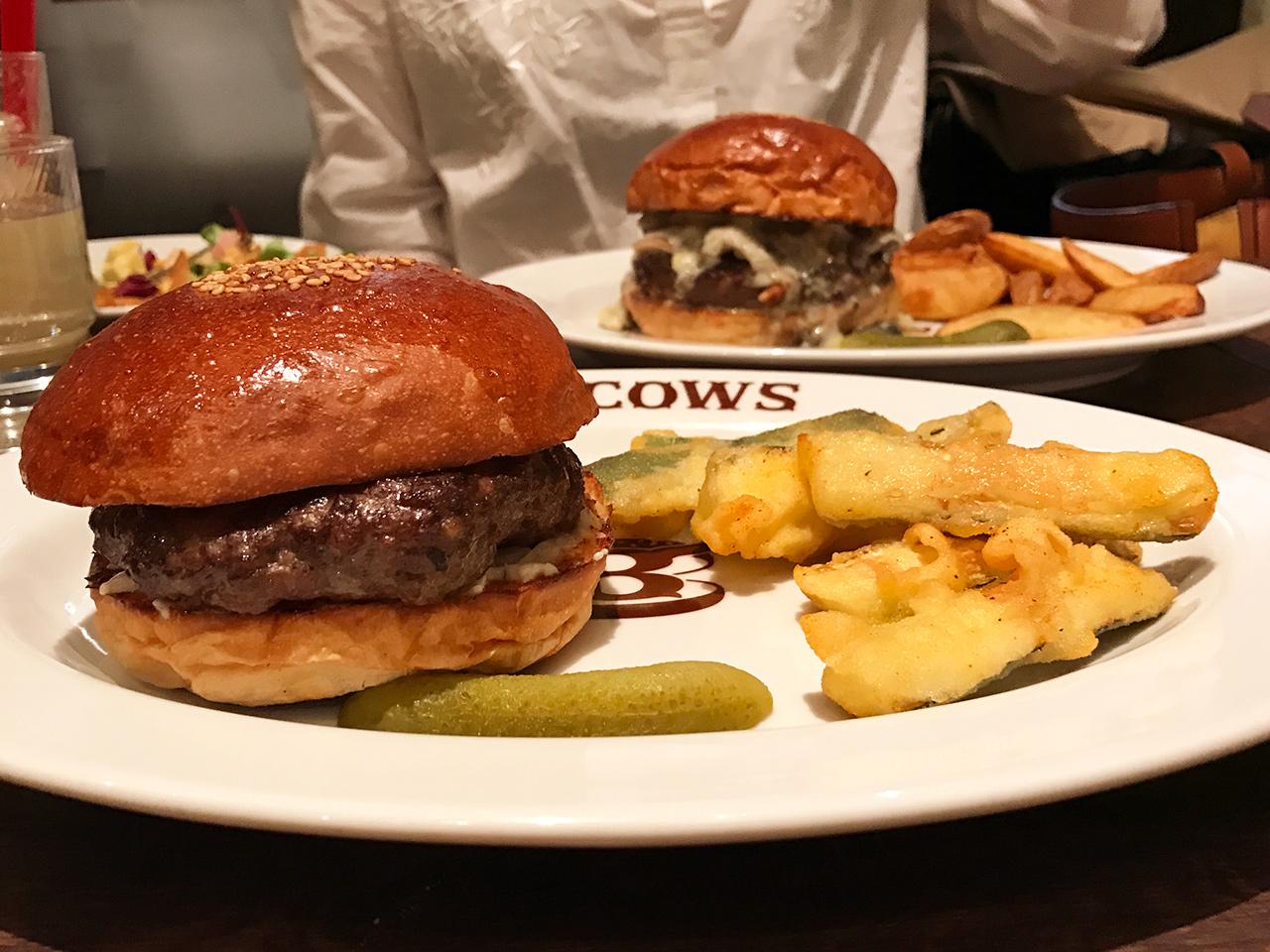 恵比寿「ブラッカウズ」のハンバーガー