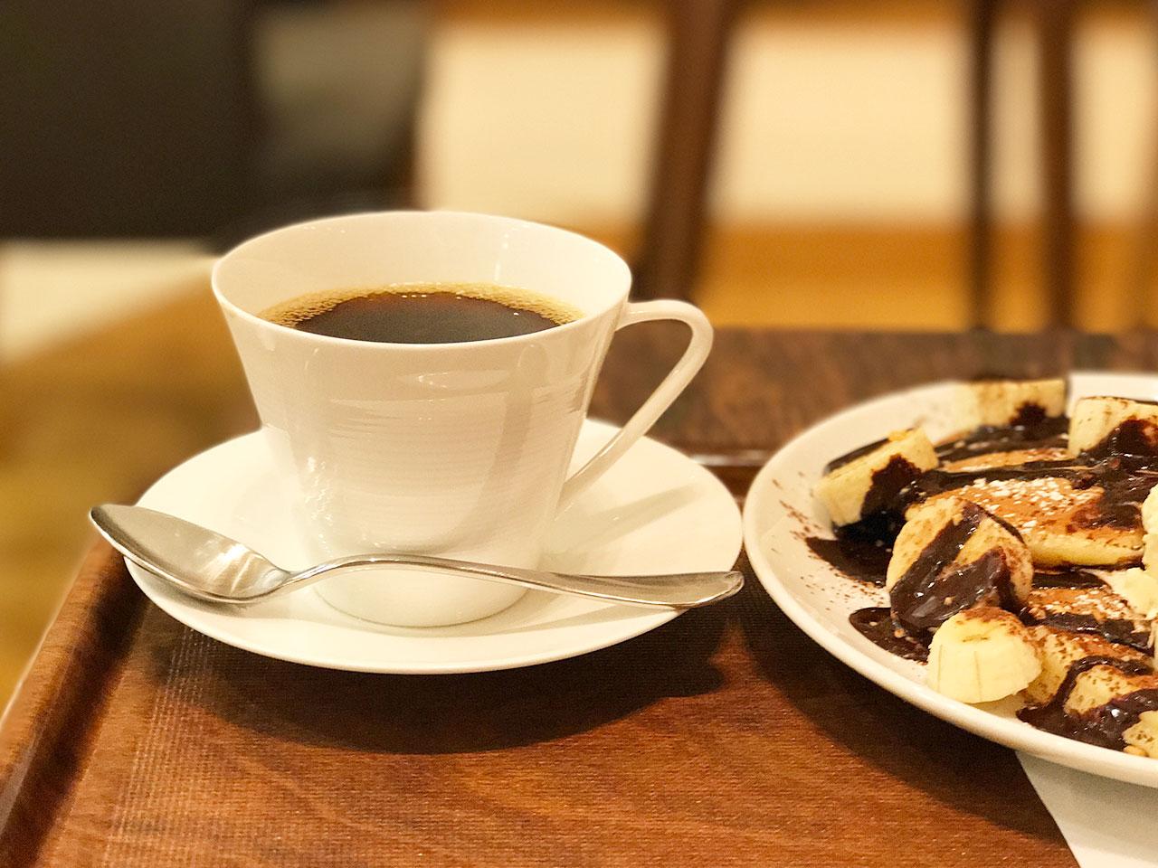 グランツリー武蔵小杉3Fの「白ヤギ珈琲店」の炭焼きブレンドコーヒー