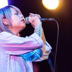 女性シンガー「アサキ」が可愛くて曲がカッコ良くてすごすぎる