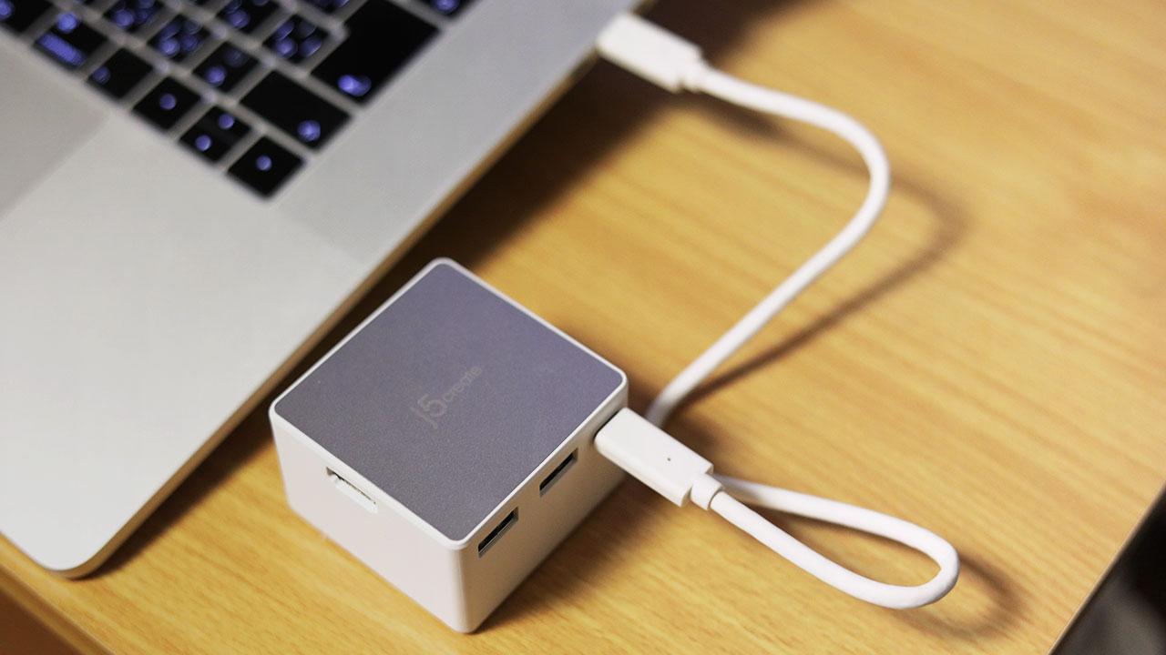 USB Type-C接続で電源もとれるミニドッキングステーションがMacで使いやすくていい感じ!