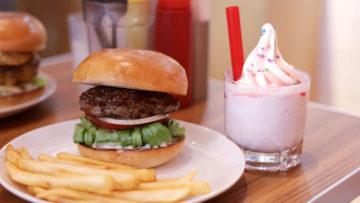 末広町「BURGER&MILKSHAKE CRANE」の王道でシンプルなハンバーガーがうまい!