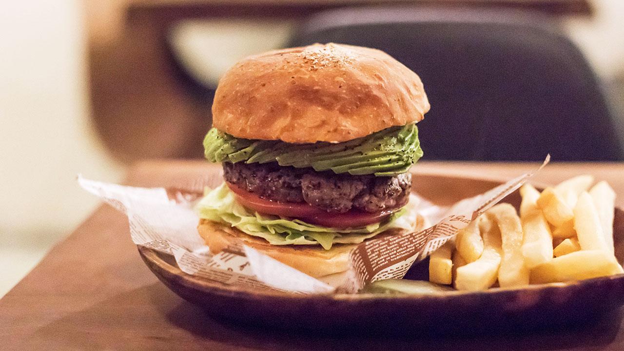 小伝馬町「Jack37Burger」のハンバーガーは超粗挽きパティで肉を食べてる感がすごい!