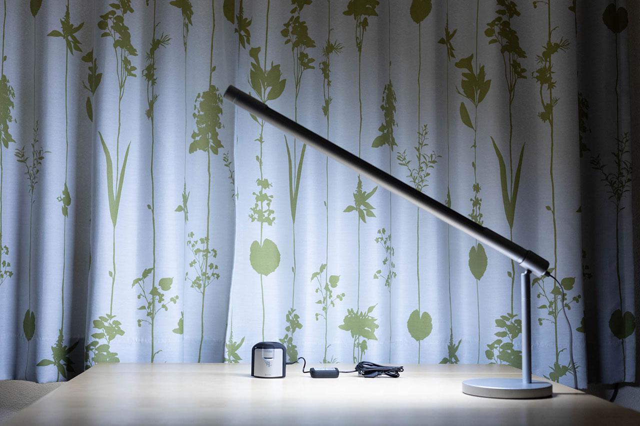 LightStrip Touch Deskを使ってブツ撮りをしている事例
