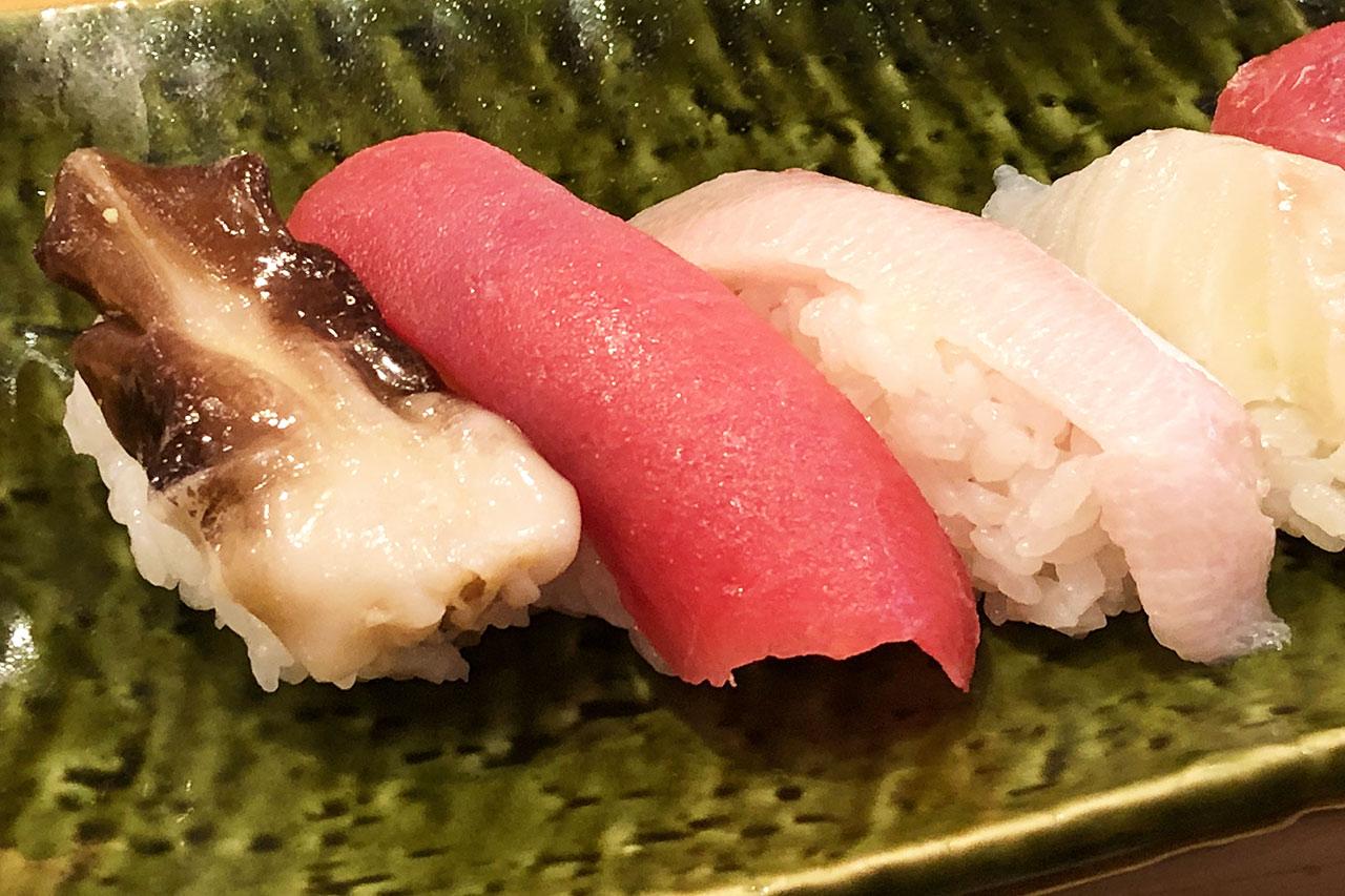 磯はなの握り寿司「雅」の中トロ