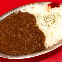 武蔵小山「風は南から」のラーメンスープで煮込んだ牛筋カレーが絶品!